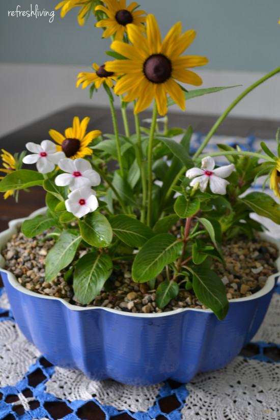 upcycled bundt pan flower pot