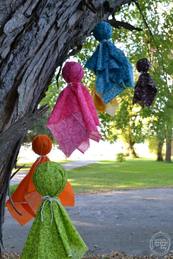 diy halloween decorations fabric scrap ghosts