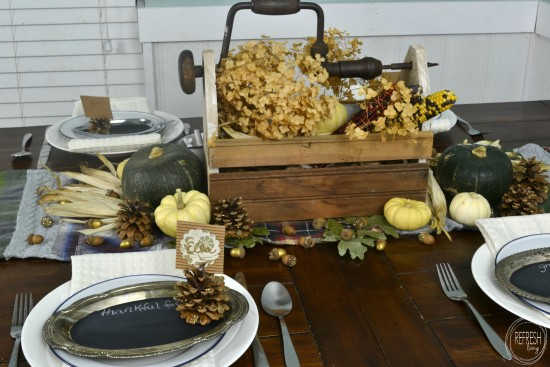 natural thanksgiving table