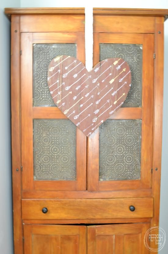 rustic valentine's decor | barn wood heart made with salvaged wood | DIY pallet wood sign with image transfer